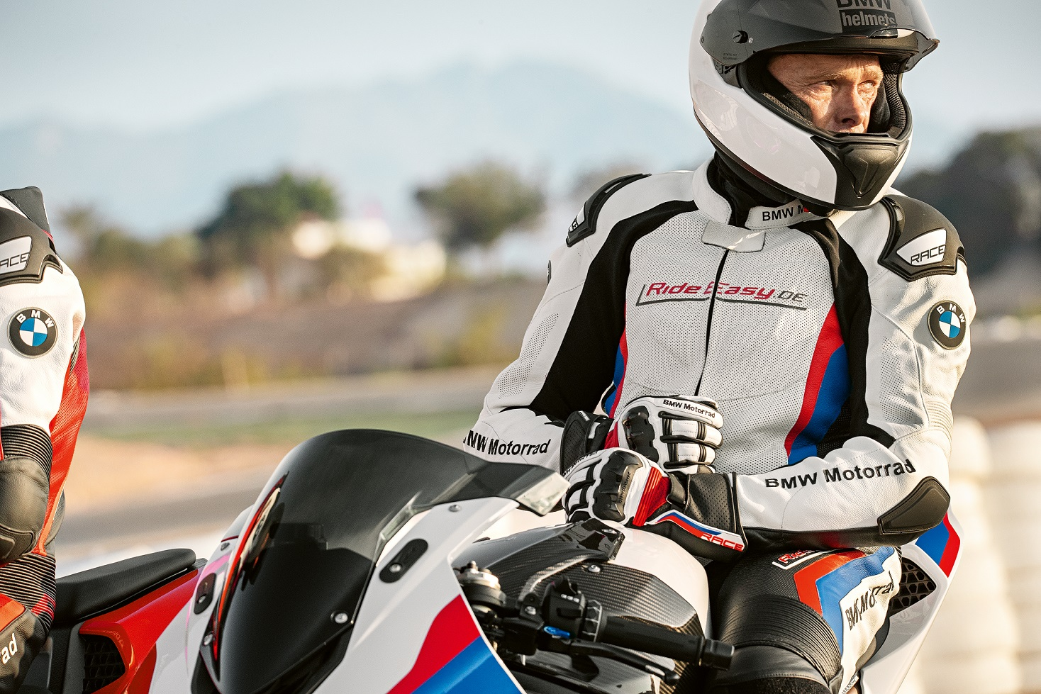 Get The Latest Bmw Motorrad Rider Equipment For 2019